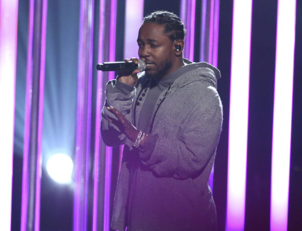 "Kendrick Lamar performs ""Don't Wanna Know at the American Music Awards at the Microsoft Theater on Sunday, Nov. 20, 2016, in Los Angeles. (Photo by Matt Sayles/Invision/AP)"
