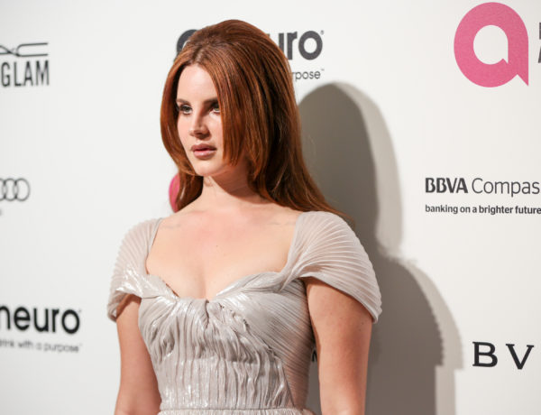Lana Del Rey arrives at the 2016 Elton John AIDS Foundation Oscar Viewing Party at West Hollywood Park on Sunday, Feb. 28, 2016, in West Hollywood, Calif. (Photo by Rich Fury/Invision/AP)